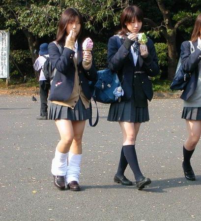 Les uniformes des lycéennes japonaises d'aujourd'hui