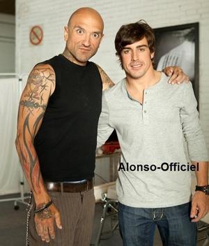 Fernando Alonso se reconverti en tatoueur    Journée offerte par Viceroy