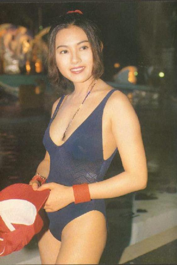 Loletta Lee en maillot de bain sexy !!!!