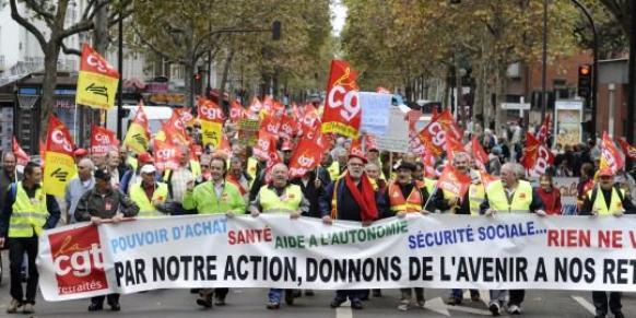 Les retraités dans la rue contre la perte de pouvoir d'achat et d'autonomie