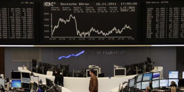 La défiance des marchés pousse la France à emprunter au prix fort