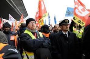 Air France: les salariés squattent le CCE