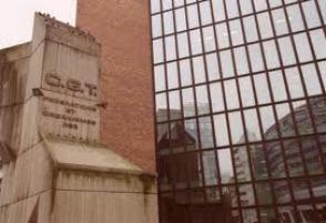 """La CGT dénonce une """"coïncidence"""" entre la publication du rapport Perruchot et la candidature Sarkozy"""
