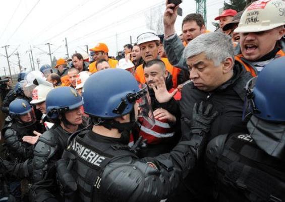 Florange : Les salariés grévistes d'ArcelorMittal délogés