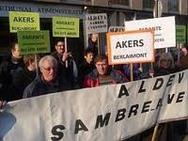 Des salariés d'Akers à Lille, mercredi,pour faire classer leur usine en site amiante