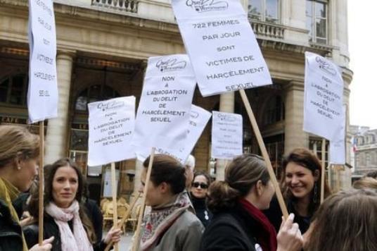 Harcèlement sexuel: le nouveau projet de loi présenté en conseil des ministres