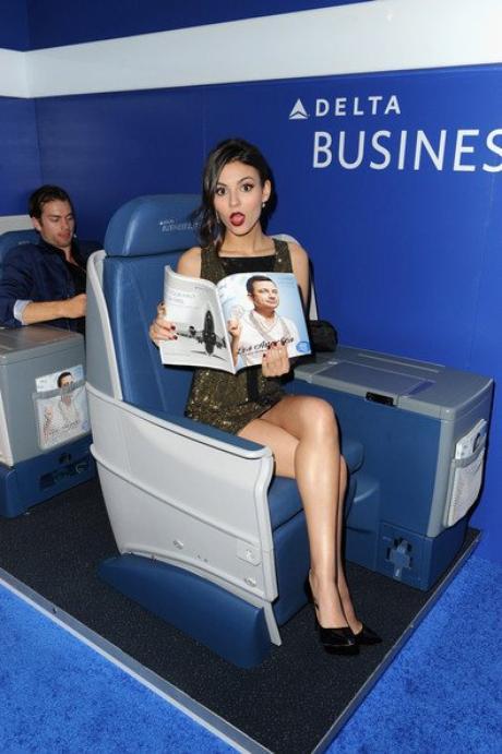 Victoria Justice&Delta Air Lines 2014
