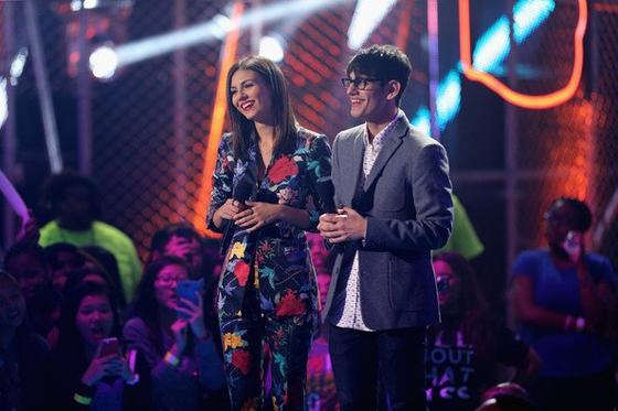 Victoria Justice Au Halo Awards Nickelodeon 2014