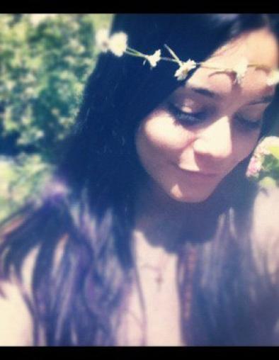 Deux photos que Nessa a posté via diférents sites ♥
