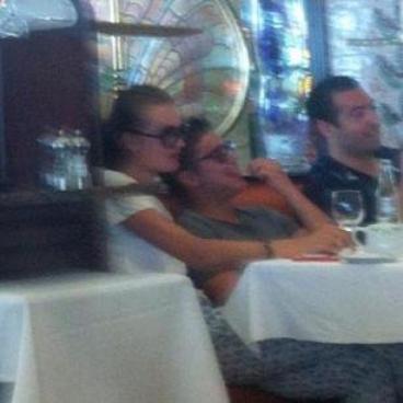 Vanessa à bien participé au Hollyood Bowl , pendant que Zac lui se prélacait  au Soleil de St Tropez et s'est rendu sur le yatch de Roberto Cavalli (grand couturier italien)sur la cote de Monaco , sans oublié sa petite relation avec Alexandra Storm