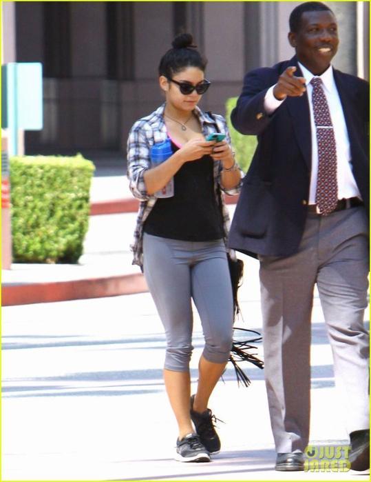 Vaustin de retour à L.A et pour Vanessa il n'est pas question d'oublier son traditionnel cours de gym à Studio City ni sa petite sortie avec son Austoutou d'amour le 16/08/2012
