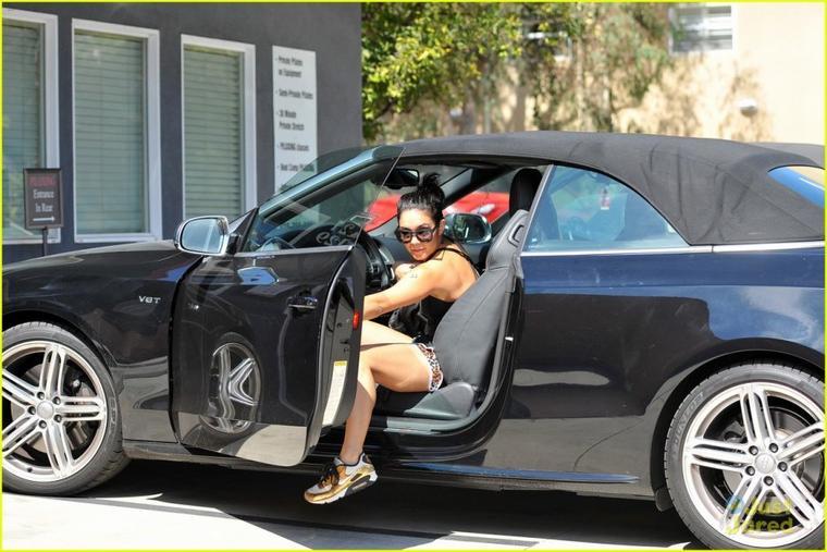 Après la pilate et le yoga Miss Hudgens se met au *Piloxing samedi matin soit le 29/09/2012