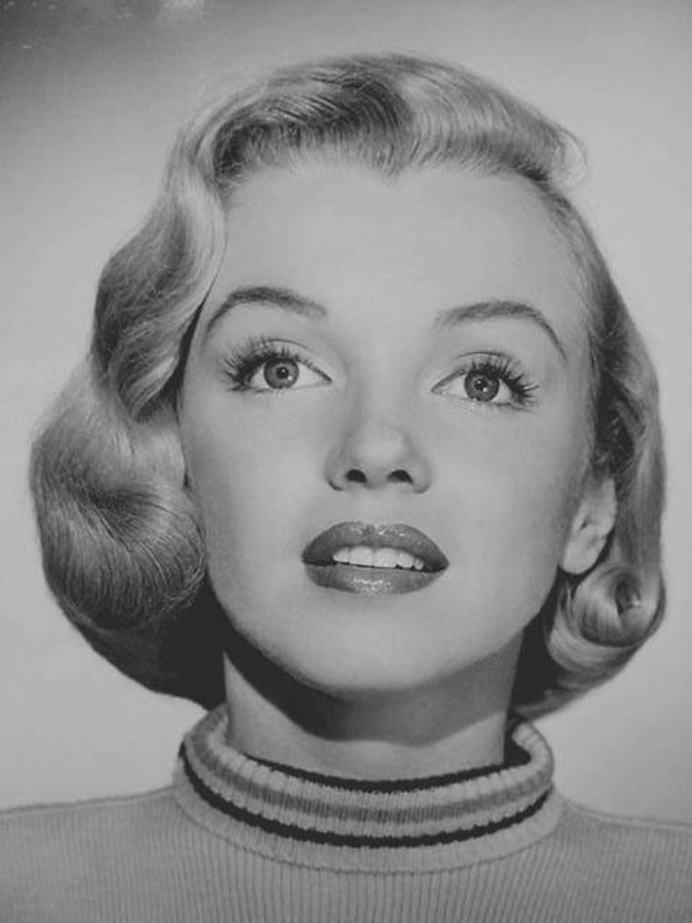 """1951 / Portraits publicitaires pour """"Home town story""""."""