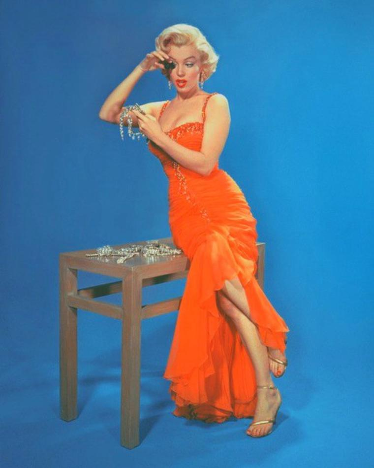 "1953 / by John FLOREA... Photos publicitaires pour ""Gentlemen prefer blondes""."