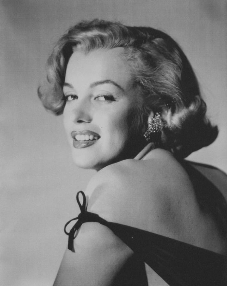 """1951 / Photos publicitaires pour """"Love nest"""". (avec Jack PAAR)."""