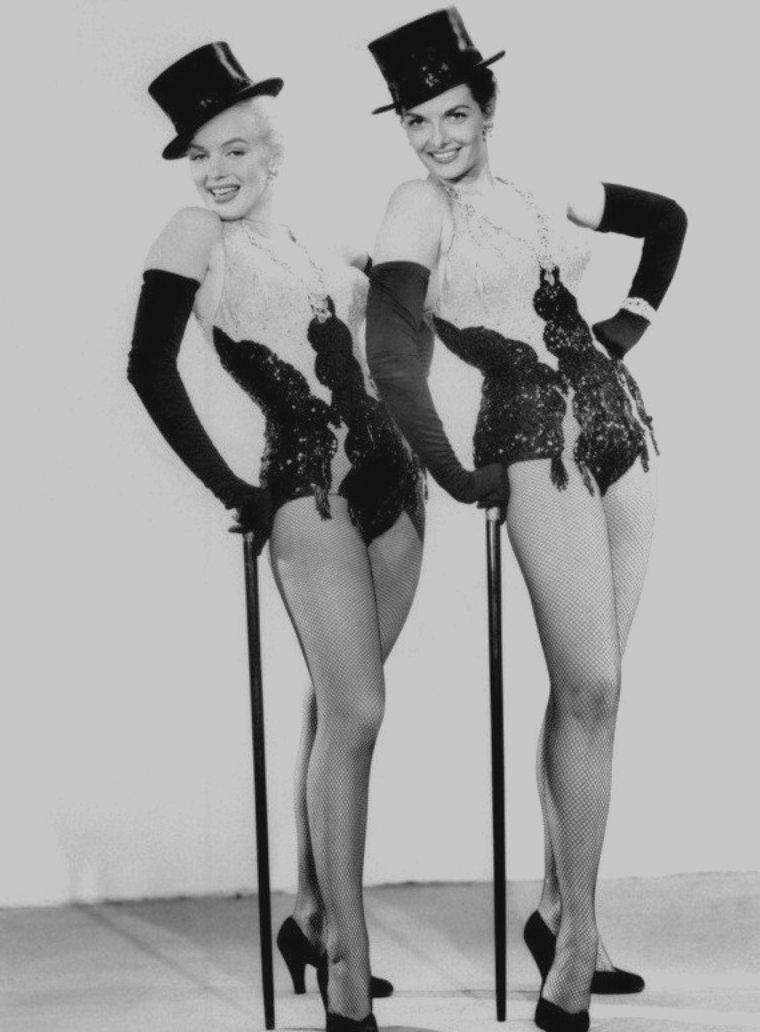 """1953 / Photos publicitaires de Marilyn et Jane RUSSELL pour """"Gentlemen prefer blondes""""."""