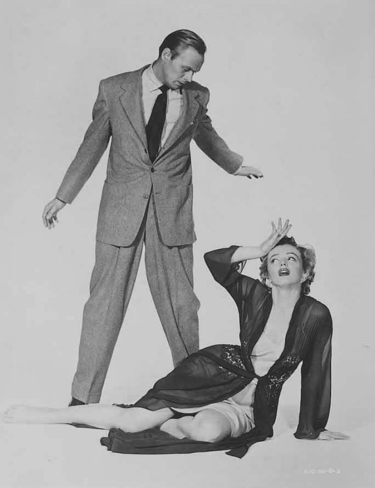 "1952 / Photos publicitaires de Marilyn et Richard WIDMARK pour ""Don't bother to knock""."