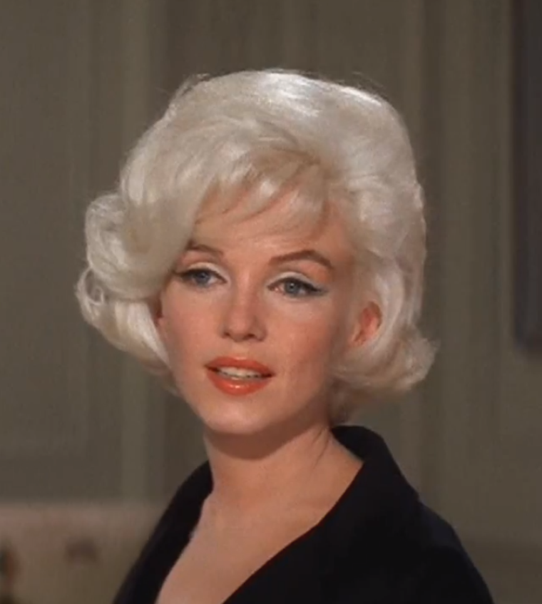 "1962 / Mes captures d'écran de Marilyn lors des essayages coiffure pour ""Something's got to give""."