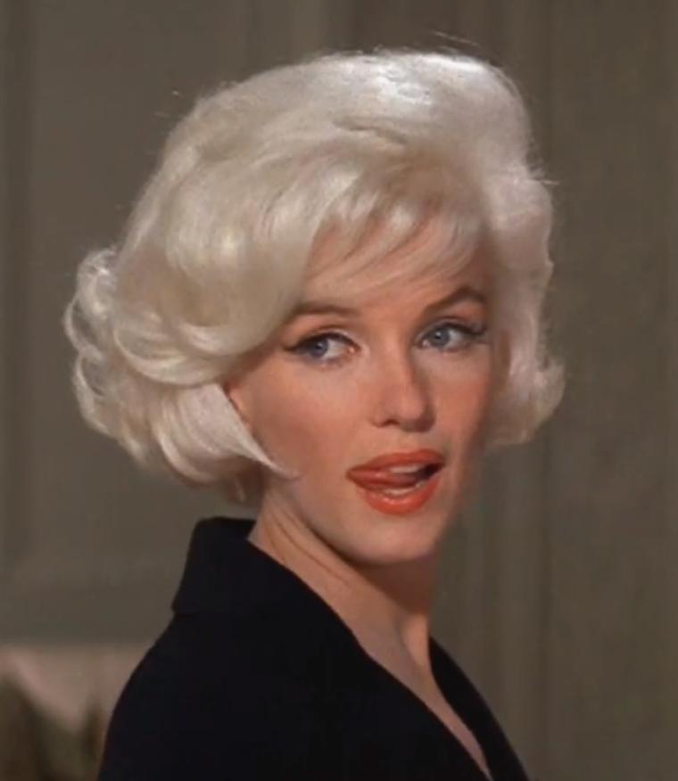 """1962 / Mes captures d'écran de Marilyn lors des essayages coiffure pour """"Something's got to give""""."""