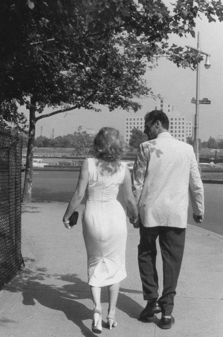 1957 / by Sam SHAW... Marilyn et Arthur en ballade à New-York (part 2).