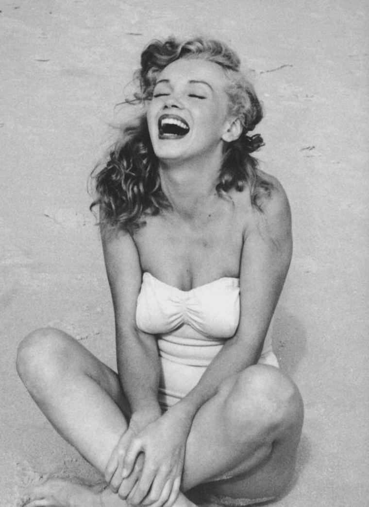 1949 / by Andre De DIENES... Tobay-beach.