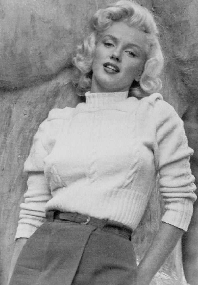 """1953 / by John VACHON... Marilyn au Canada, pour les extérieurs du film """"River of no return""""."""