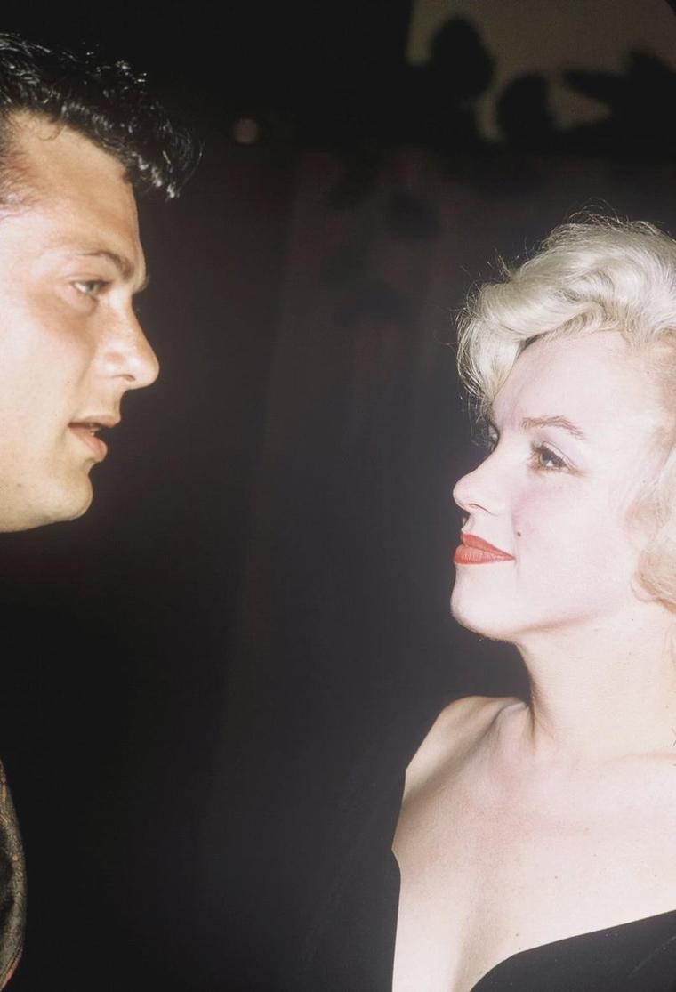 """1958 / by Earl LEAF and Roger MARSHUTZ... (Conférence de presse pour la sortie du film """"Some like it hot"""") (part 4, voir TAG)."""