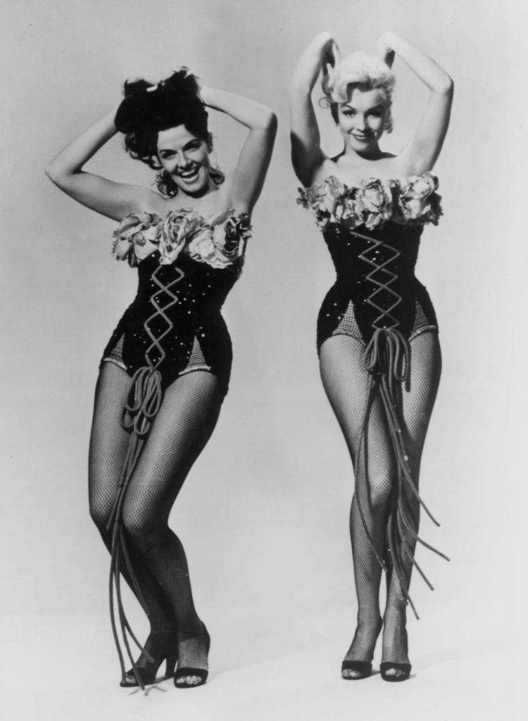 "1953 / Photos publicitaires de Marilyn et Jane RUSSELL pour ""Gentlemen prefer blondes""."