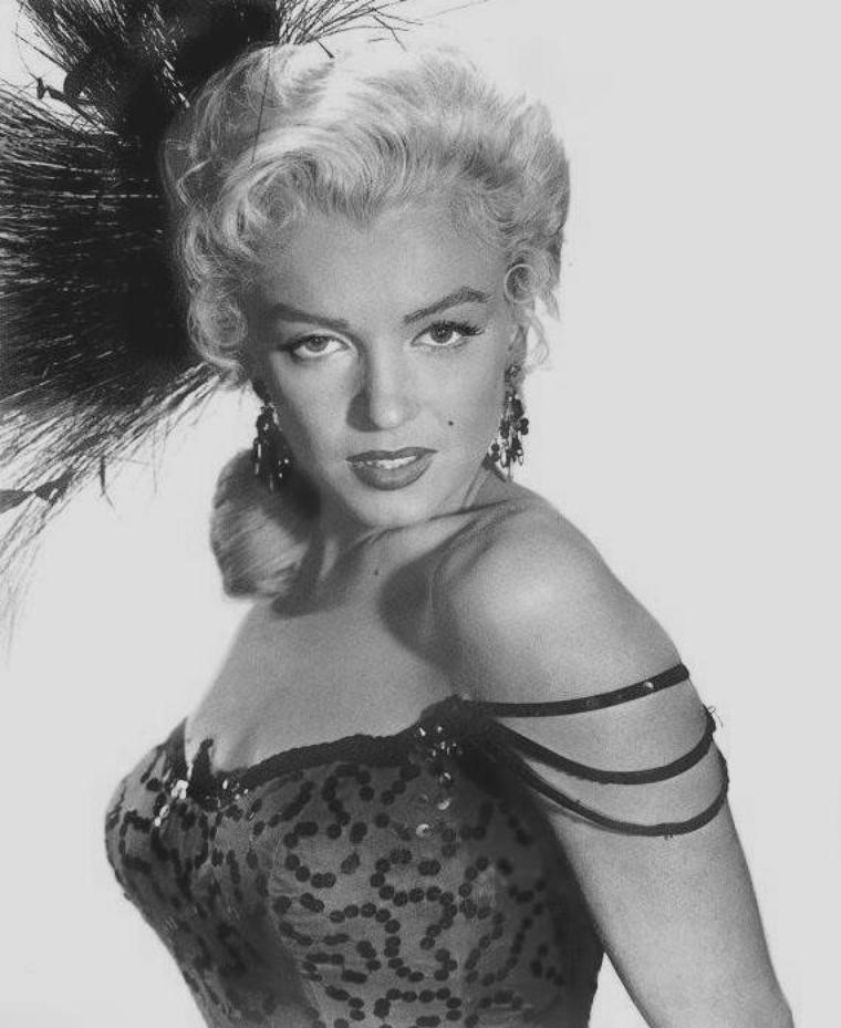 """1954 / Portraits publicitaires pour le film """"River of no return""""."""