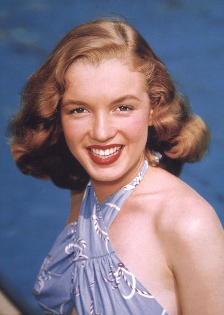 """1946 / Norma Jeane à 20 ans, future Marilyn, dans tous ses """"états"""" sous l'objectif de Richard C MILLER (voir TAG, toutes ses photos sont magnifiques)."""