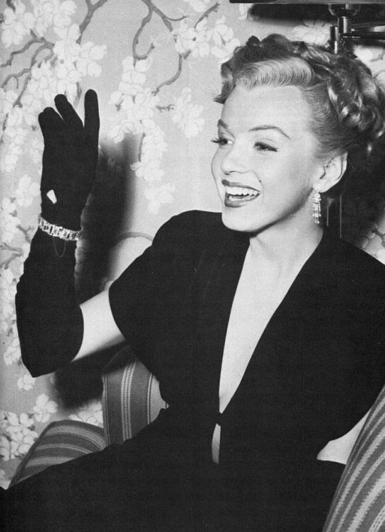 "1950 / Marilyn apparaît quelques minutes dans le film ""The fireball"", où Mickey ROONEY est la vedette principale..."
