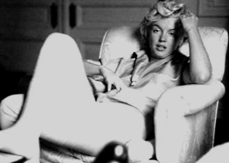 1954 / by Milton GREENE... Marilyn au St REGIS Hotel