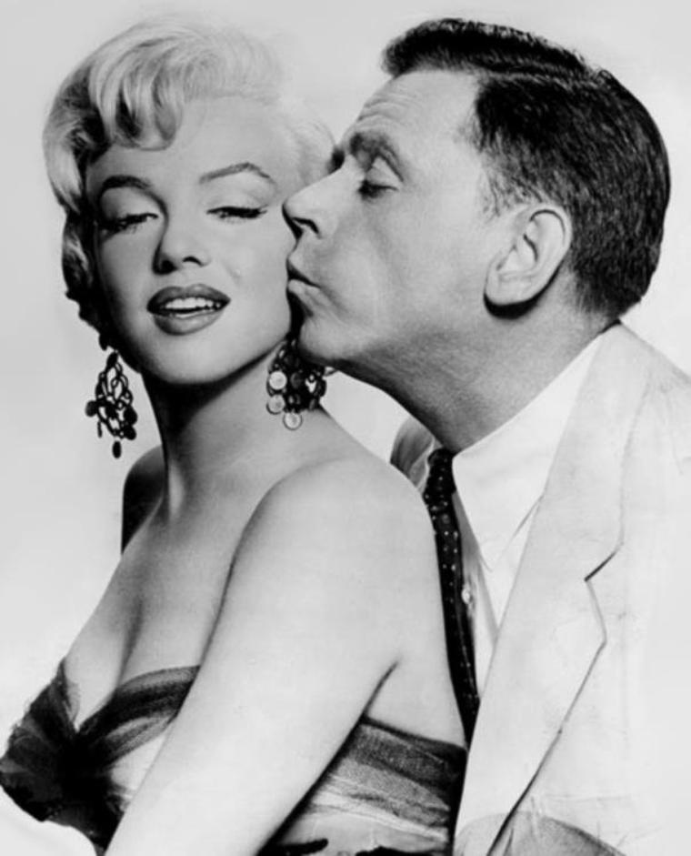"1954 / Photos publicitaires de Marilyn et Tom EWELL pour le film ""The seven year itch""."