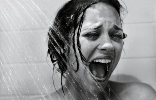 Fille Qui Pleure c'est beau une fille qui pleure. - je pleurs pas, j'ai mal aux yeux