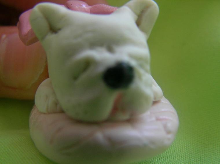 Petit bulldog français entrain de dormir SANS MOULE