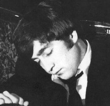 John endormi...