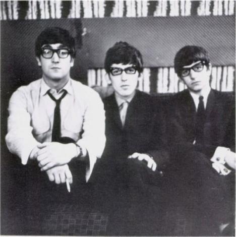 John, George & Ringo avec des lunettes :)