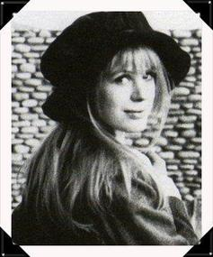 Biographie de Cynthia Powell ♪
