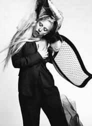 Lady Gaga fait la couverture du magasine L'Uomo Vogue _