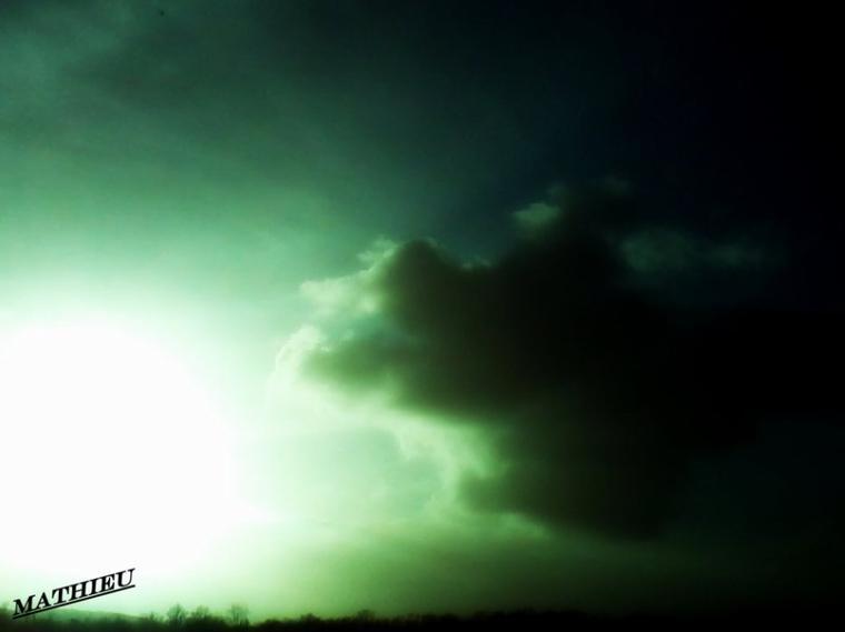 Nuage au coucher de soleil...