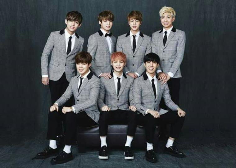 Happy 2yeayrs BTS 사랑해요 ! ??