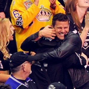 • • Le 11 juin, David assistait encore une fois à un match de Hockey !  On va finir par croire qu'il fait que ça de ses vacances lol • •