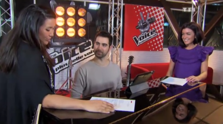 Jenifer avec ses talents de THE VOICE !
