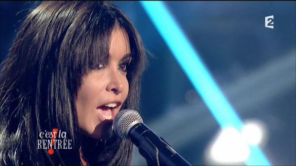 Jenifer interprète sur le fil, premier extrait de son nouvel album L'amour & moi ! France 2 - C'est la rentrée !
