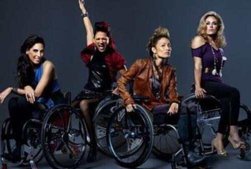 Des héroïnes de télé réalité en fauteuil roulant