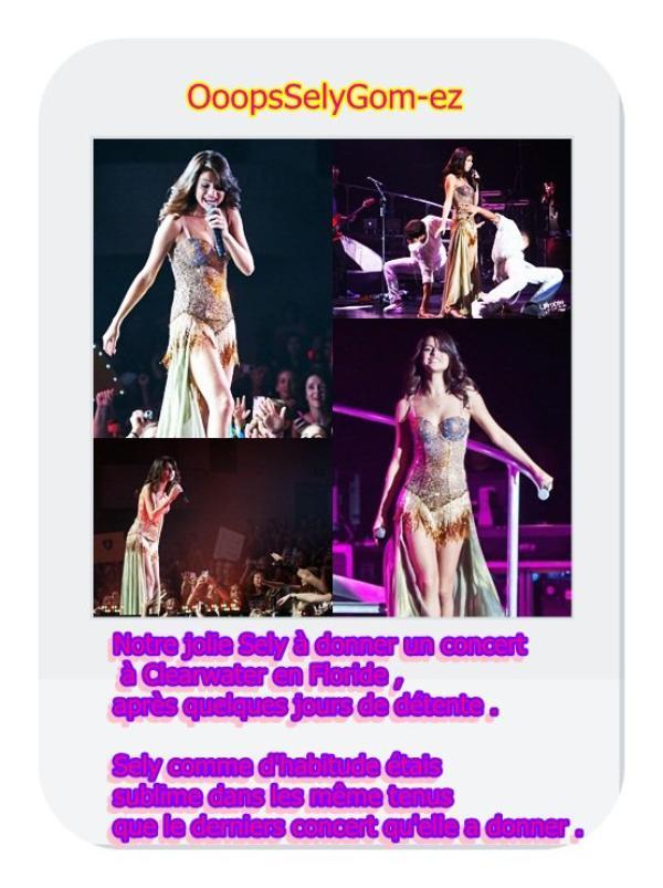 30/07 Selena donne un concert à Clearwater , en Floride
