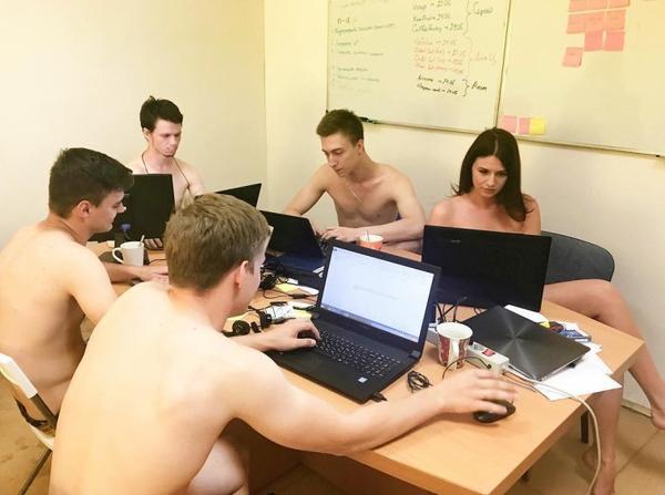 Les Biélorusses nus au travail pour une étonnante raison (photos)