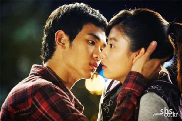 Will It Snow For Christmas .. Coréen .. 2009 .. Thèmes : Romance, Mélodrame  Épisodes : 16