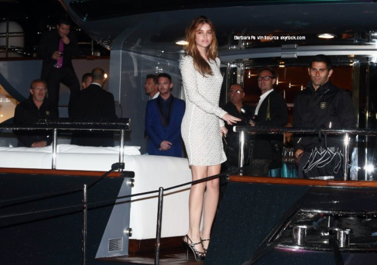 22/05/13: Barbara allant vers la soirée de Robert Cavalli sur le yacht du styliste à Cannes