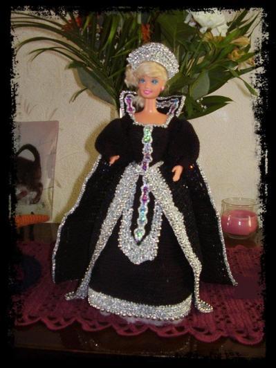 onyx black queen
